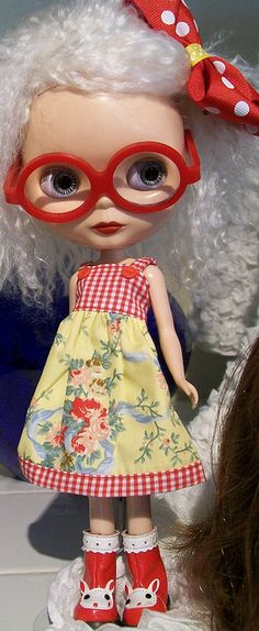 wat een schatje www.mim-pi.com Blythe doll with glasses