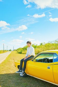 CHANYEOL will be presenting his first official solo song '봄 여름 가을 겨울 (SSFW)' on April 25 via SM 'STATION' Season The song will come in three versions, Korean, Chinese, and Japanese, so stay tuned! Baekhyun Chanyeol, Exo Exo, Rapper, Luhan And Kris, Exo Official, Kim Minseok, Xiuchen, Exo Members, Chanbaek