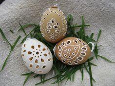 Egg Art, Easter Eggs, Christmas Ornaments, Holiday Decor, Wood, Egg, Christmas Jewelry, Christmas Ornament, Christmas Baubles