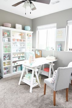 Chic Office - Coral and Mint, for the Girl Boss-