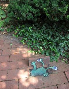 by David Zinn - would love to do a lil' surprise art like this somewhere. so cool.