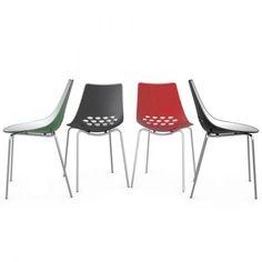 Sedia JAM prodotta da Connubia by Calligaris Struttura in metallo e sedile monoscocca bicolore in tecnopolimero.  La trovi in vendita su www.kardidesign.it