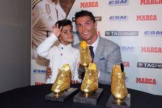 ♥ ♥ ♥via Cristiano's FB Ronaldo Junior, Cristano Ronaldo, Cristiano Ronaldo Cr7, Neymar, Messi, Marco Materazzi, Barca Real, Real Madrid Manager, Fernando Torres