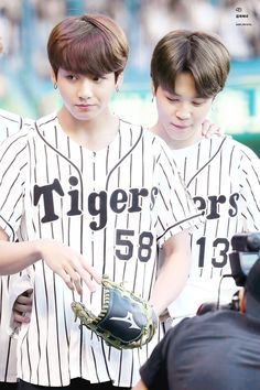 Jungkook and Jimin ❤ BTS At The Hanshin Tigers vs Nippon Ham Fighters Baseball Game! For the ceremonial first pitch~ (PRESS - Bts Jungkook, Taehyung, Seokjin, Hoseok, Kim Namjoon, Jung Kook, Billboard Music Awards, Foto Bts, Btob