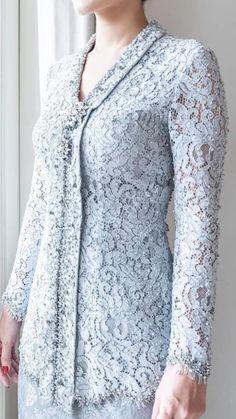 Kebaya Brokat, Dress Brokat, Kebaya Dress, Lace Outfit, Lace Dress, Model Kebaya Modern, Hijab Fashion, Fashion Dresses, Kebaya Wedding