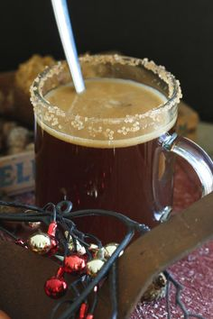 Gingerbread Hot Buttered Rum tastes like a warm gingerbread cookie. Best Party Food, Party Food And Drinks, Holiday Drinks, Christmas Cocktails, Smoothies For Kids, Vegan Smoothies, Breakfast Smoothies, Rum Recipes, Easy Drink Recipes