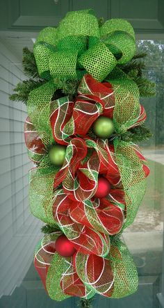 christmas swags and wreaths Christmas Swags, Christmas Door, Holiday Wreaths, All Things Christmas, Winter Christmas, Holiday Crafts, Christmas Holidays, Holiday Decor, Mesh Wreaths
