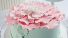 How to make this beautiful petal cake (+recipes) | NZ Herald