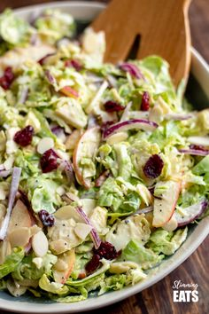 A delicious Healthy Brussels Sprouts Salad - with almond slices, crisp tart apple and sweet cranberries. Perfect on its own as a meal or as a side dish for your main Gluten Free, Vegetarian, Slimming World and Weight Watchers friendly Shaved Brussel Sprouts, Brussel Sprout Salad, Brussels Sprouts, Slimming Eats, Slimming World Recipes, Sprouts Salad, Healthy Salad Recipes, Vegetarian Recipes, Natal