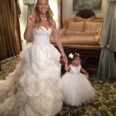 PHOTOS: Mariah Carey and Nick Cannon Renew Vows at Disneyland, and We're Jealous - Popdust