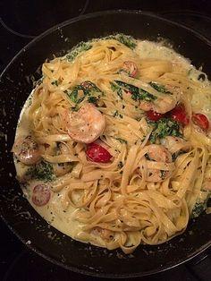 Pasta mit Scampi und Spinat