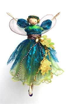 Halinka's Fairies Royal oak tree top fairy