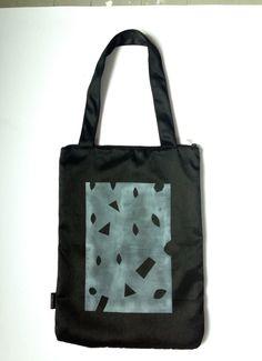 New to TuKosmos on Etsy: black tote bag zipp up pockets yoga bag tennis bag urban bag big bag fabric bag tennis bag (150.00 PLN)