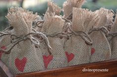 Sacos para el arroz. En tela de arpillera con corazón estampado. Feliz Boda!!!!