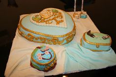 @Ily Logeais : Porcelain Fondant Cake #cakedesign