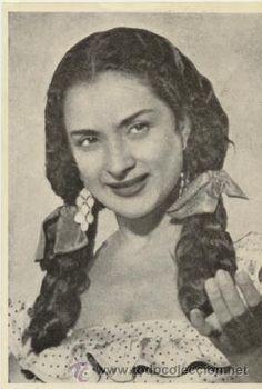 Lola Flores, singer