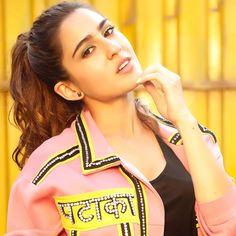 Like It 👍 or Love It 😘 Sara Ali Khan looks Super gorgeous Bollywood Girls, Bollywood Stars, Bollywood Celebrities, Yash Raj Films, Action Movie Stars, Bollywood Updates, Sara Ali Khan, Beautiful Bollywood Actress, Kareena Kapoor Khan