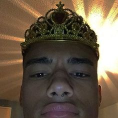 basically long story short some cinderella fool & a sleeping beauty head ass chick got mad cause i was more poppin than them at the party, sorry i don't make the rules Funny Reaction Pictures, Funny Pictures, Laughing Funny, Dankest Memes, Funny Memes, Foto Gif, Current Mood Meme, Wholesome Memes, Meme Faces