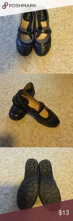Navy shoes One strap across, lovely stitching studio works Shoes