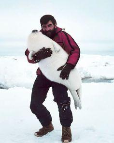 Быть брутальным мужиком, но обнимать тюленя! Вот это круто! #лепра