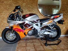 Honda Motorcycles, Cars And Motorcycles, Honda Fireblade, Cafe Racer Honda, Cbr 600, Motorbikes, Urban, Vehicles, Sportbikes