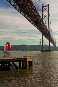 Ponte de 25 de Abril, Lisboa, Portugal