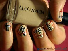 Amazing nails: Burberry-inspired mani