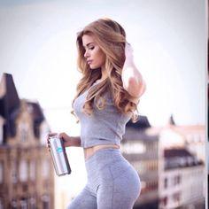 Sophia Thiel und Pamela Reif machen es vor – Frauen, traut euch an die Gewichte!