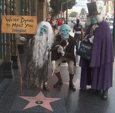 Love this!   Haunted Mansion inhabitants at Disney costumes