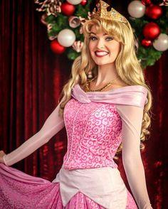 Disneyland Face Characters, Disney World Characters, Disney Stuff, Disney Love, Disney Magic, Disney Cosplay, Disney Costumes, Princess Aurora Costume, Walt Disney Pictures Movies