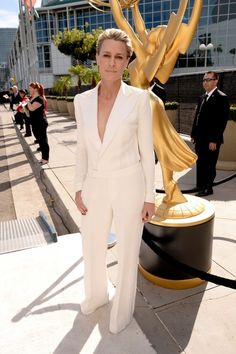 http://www.hollywoodreporter.com/news/emmy-awards-2014-robin-wright-727872