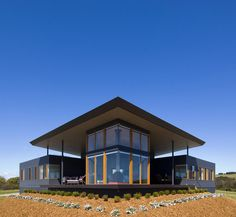 The Emu Bay house was completed in 2008 by the Australian architect Max Pritchard. This modern holiday home has a variety of outdoor living spaces and enjoys spectacular sea views.    The Emu Bay ho..