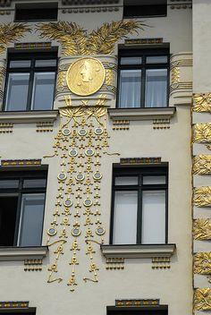 Koloman Moser's gold medallions, Wagner apartments, Vienna (hva)