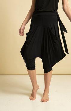 Purje Capri Pants Black Dancing Barefoot, Summer Days, Sustainable Fashion, Black Pants, Capri Pants, Ballet Skirt, Model, How To Wear, Shopping