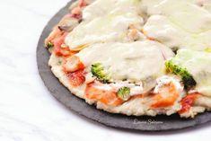 Pizza cu piept de pui și smântână Pizza, Salmon Burgers, Mozzarella, Broccoli, Mashed Potatoes, Cooking, Ethnic Recipes, Food, Pie