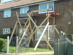 Wooden Scaffolding, Painting Tips, Wood Projects, Diy, Bricolage, Do It Yourself, Wood Working, Homemade, Diys