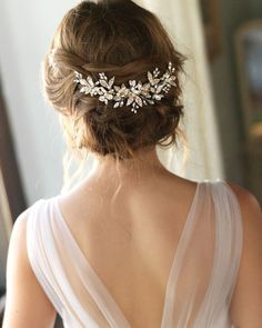 Best Ideas For Wedding Hairstyles : Pearl Bridal Comb Pearl Wedding Hair Comb Floral Bridal Hair Bridal Comb, Hair Comb Wedding, Wedding Hair Pieces, Pearl Bridal, Wedding Headpieces, Wedding Updo, Bridal Hair Combs, Short Bridal Hair, Bridal Veils