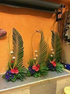 Selecting The Flower Arrangement For Church Weddings Tropical Flower Arrangements, Church Flower Arrangements, Church Flowers, Beautiful Flower Arrangements, Funeral Flowers, Tropical Flowers, Wedding Flowers, Deco Floral, Arte Floral