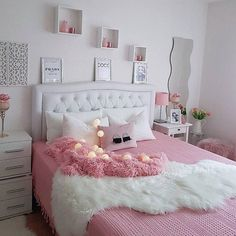 38 Cute and Girly Bedroom Decorating Tips for Teenagers Girl Bedroom Designs Bedroom Cute Decorating Girly Teenagers tips Pink Bedroom Design, Girl Bedroom Designs, Cute Bedroom Ideas, Cute Room Decor, Woman Bedroom, Girls Bedroom, Bedrooms, Cozy Bedroom, Home Decor Bedroom