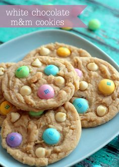 YUMMY White Chocolate M&M Cookies - these are so good!
