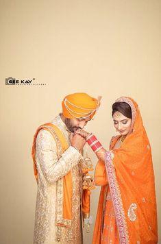 Indian Wedding Couple Photography, Wedding Couple Photos, Couple Photography Poses, Bridal Photography, Pre Wedding Shoot Ideas, Pre Wedding Photoshoot, Wedding Poses, Wedding Couples, Indian Bridal Photos