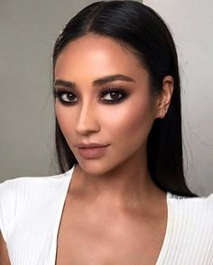 Best Celebrity Makeup Tutorials - Shay Mitchell Celebrity Makeup Tutorial - Step By Step Youtube Videos, Tips and Beauty Secrets From All the Top Celebrities Like Kylie Jenner, Taylor Swift and Ariana Grande - Hair Style Ideas, Eyeliner and Eyebrow Tricks and How To Get Perfect Kat Von D Hairstyles - thegoddess.com/celebrity-makeup-tutorials