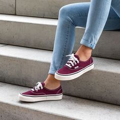 Outfits With Vans – Lady Dress Designs Vans Sneakers, Sneakers Fashion, Fashion Shoes, Sock Shoes, Shoe Boots, Ankle Boots, Style Grunge, Soft Grunge, Timberland Boots
