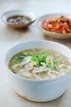 Dak Kalguksu (Chicken Noodle Soup) - Korean Bapsang