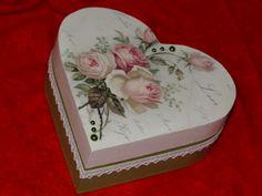 Decoratie houten harten doos