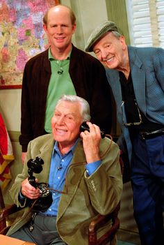 Andy Griffith Show! After many years now...the end of Mayberry... we meet Ron Howard, Don Knotts and Andy Griffith. Beautiful get-together.