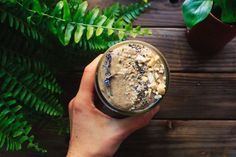 7 Spinach Smoothie Recipes That Are Uber-Nutritious - Smoothies Diet Weight Loss Healthy Lunch Smoothie, Smoothie Bol, Spinach Smoothie Recipes, Smoothie Fruit, Breakfast Smoothie Recipes, Easy Smoothies, Smoothie Menu, Vanilla Smoothie, Making Smoothies