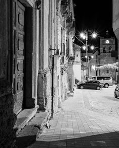 The Night Is Calling #thenightiscalling #series #domenicomirigliano #wanderingwithshadows #whenthedayiskilledbythenight #alazif #night  #nightview #urbanlandscape #urbanscape #blackandwhite #digitalphotography #nuit #italia #calabria #caulonia #igers #ig #igreggiocalabria #loves_united_calabria