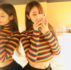 HD kpop pictures and gifs. Aesthetic Photo, Albania, Ulzzang Girl, Cupid, Korean Girl Groups, Kpop Girls, Girl Crushes, Beautiful People, Turtle Neck