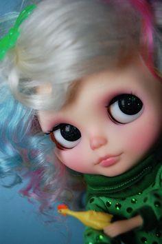 Happy Wubba Wednesday :) by Melly Kay, via Flickr  #doll #blythe #cute